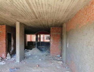 محل ارضي بميزان بشارع الاشرف الرئيسي