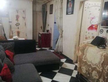 شقة من شارع عزام متشطبه