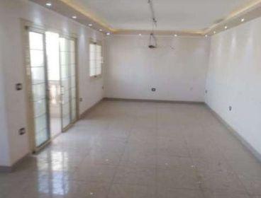 مكتب للايجار علي شارع رئيسي شيراتون المطار