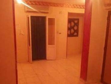 شقة للايجار دور رابع متفرع من شارع التلاتيني
