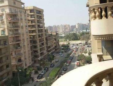 محل للايجار فى شارع عباس العقاد الرئيسى
