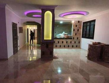 شقة بالتجمع الخامس النرجس مساحة ١٨٠ متر