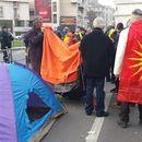 ФОТО:  Поставени шатори пред Собранието