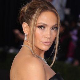 Το νέο hairstyle της Jennifer Lopez είναι η απόλυτη τάση τώρα!