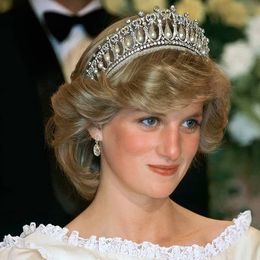Μέσα από το tik-tok ανακαλύψαμε πως θα κάνουμε το hair look της Πριγκίπισσας Diana