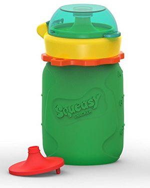 Calientes Squeasy Snacker 3.5oz 100% Food Grade Silicone Reusable Food Pouch, featuring the No Spill Insert - Green by Squeasy Gear comparación