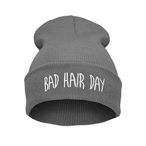 Hot elegance parisienne bad hair day beanie mütze grau mit weißem logo haube wintermütze strickmütze einstickung gray cool modisch