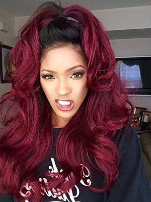 """Peluca K""""ryssma de un color rojo profundo y estilo sexi ondulado del Reino Unido larga, efecto degradado de borgoña para mujer con raíces negra, suave pelo sintético de aspecto natural, el mejor reemplazo de cabello atados a mano con calor de 61cm opinión"""