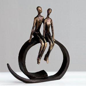 Angebote für -skulptur close