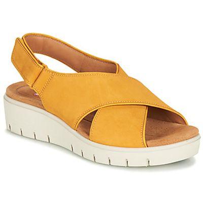 Clarks  UN KARELY SUN  women's Sandals in Yellow