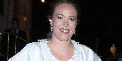 Νίνα Φλορ: Οι λεπτομέρειες του νυφικού που θα φορέσει και οι λεπτομέρειες του γάμου της με τον Πρίγκιπα Φίλιππο