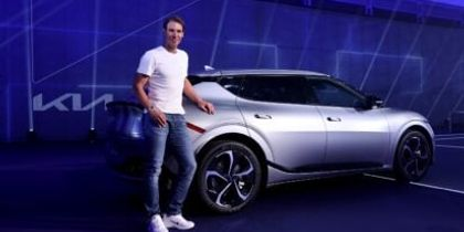 Ο Rafael Nadal ενθαρρύνει τη χρήση ηλεκτρικών οχημάτων με το νέο Kia EV6