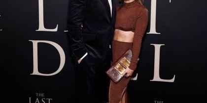 Η JLo φοράει την απόχρωση που όλες θέλουμε να προσθέσουμε στην γκαρνταρόμπα μας