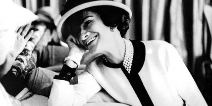 Coco Chanel: Τα 20 πιο δυνατά quotes της πρώτης Influencer της μόδας!