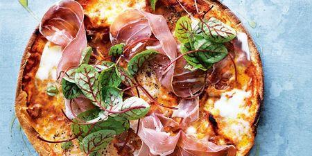 Ανήμερα του Αγίου Πνεύματος εμείς φτιάχνουμε σπιτική pizza με τα πιο απλά υλικά