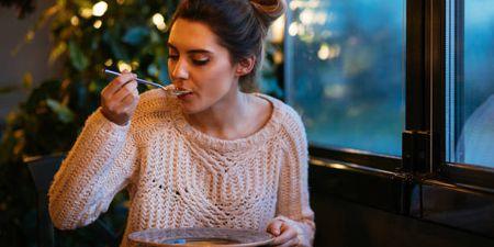 8+1 super διατροφικές συμβουλές για να καταπολεμήσεις τις ιώσεις (όσο το δυνατόν πιο σύντομα!)