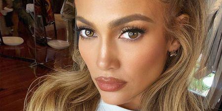 4 makeup tips για βλέμμα που μαγνητίζει (από το πρωί έως το βράδυ)
