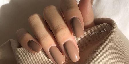 Τα τοπ nude βερνίκια νυχιών για να κάνεις τα πιο chic μανικιούρ #nailedit