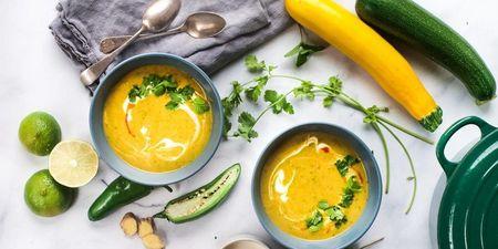 Αυτή η λαχταριστή σούπα κολοκύθι είναι ό,τι πρέπει για σήμερα (έπιασε κρυάκι!)