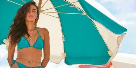 Go shiny! Αυτή η beachwear συλλογή τα έχει όλα