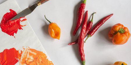 Πολύχρωμες πιπεριές: H διατροφική τους αξία και ποια είναι η καλύτερη να επιλέξεις