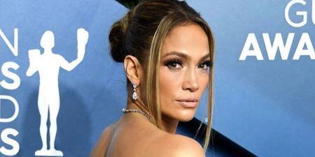 Η Jennifer Lopez «σταματάει» τον χρόνο με 6 +1 αντιγηραντικά μυστικά