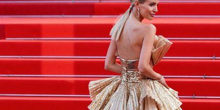 Η Leonie Hanne ήταν ο ορισμός του red carpet στις Κάννες. 5 λαμπερά looks της που ξεχωρίσαμε