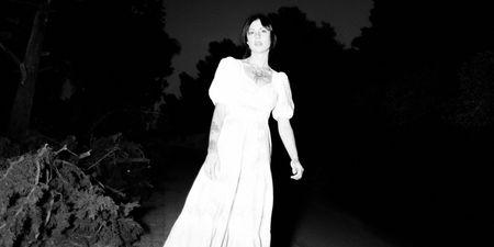 Soannefair: «Γράφω μουσική για να χορέψουμε μαζί, σαν να μας ανήκει ο κόσμος»