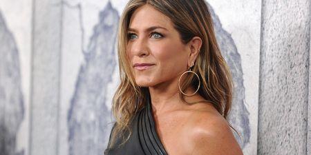 10 iconic hair looks της Jennifer Aniston που ενθουσίασαν τους Insta φίλους της σε άλλο βαθμό