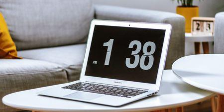 Μεγάλος Διαγωνισμός: Μια τυχερή θα κερδίσει ένα Apple MacBook Air 13 M1, αξίας €1.150