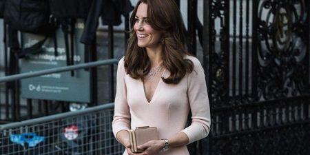 Kate Middleton: Μπορείς να αντιγράψεις το royal look της με μόλις 40€