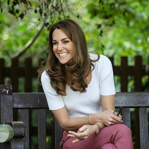 Αυτό το κολιέ της Kate Middleton έχει τρελάνει τους πάντες (αλλά γιατί;)