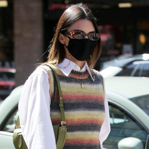 Get The Look: Με το ανδρόγυνο outfit της Kendall Jenner μπορείς να πας παντού παντού αυτό το weekend