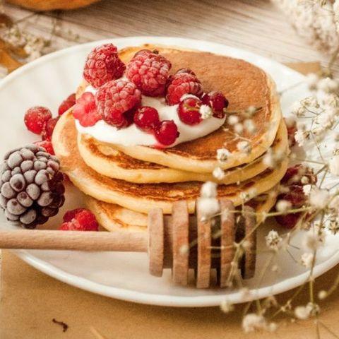 Αυτά τα pancakes με ελάχιστες θερμίδες θα είναι η No1 επιλογή σου για πρωινό σήμερα
