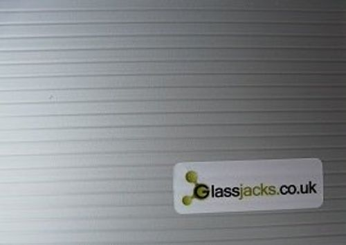 photo Wallpaper of Unbekannt-Medium Wein Glas–Glaswaren Aufbewahrungsbox–glassjacks | 24Zellen | Wein Glas Aufbewahrung |-Silver Box and internal dividers, blue handles