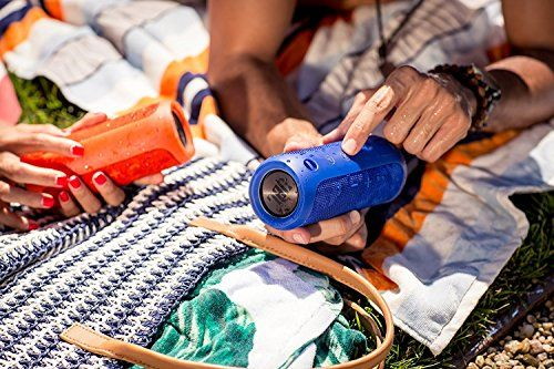 photo Wallpaper of JBL-JBL Flip 3 Spritzwasserfester Tragbarer Bluetooth Lautsprecher Mit Außerordentlich Kraftvollem Klang-Blau