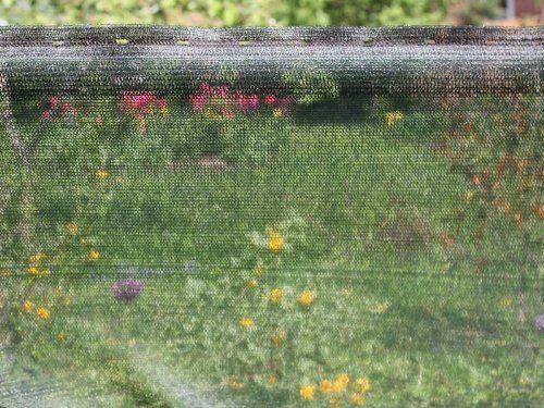 photo Wallpaper of HaGa-Welt.de-4m² Schattiernetz 60% In 4m Breite Sonnenschutznetz Sichtschutznetz Zaunblende Schattierungsgewebe (Meterware)-dunkelgrün (2 gelbe dünne Streifen unten und oben)