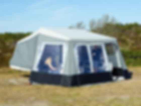Как выглядит прицеп-палатка. Фото: Isabella