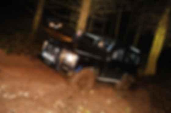 Похоже, благодаря Defender в Великобритании не осталось нехоженных троп. Фото: Land Rover