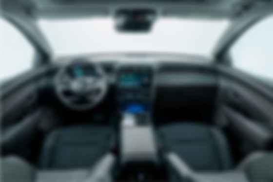 Интерьер Hyundai Tucson четвертого поколения решен в «яхтенной» концепции а-ля Jaguar XJ. Фото: Hyundai