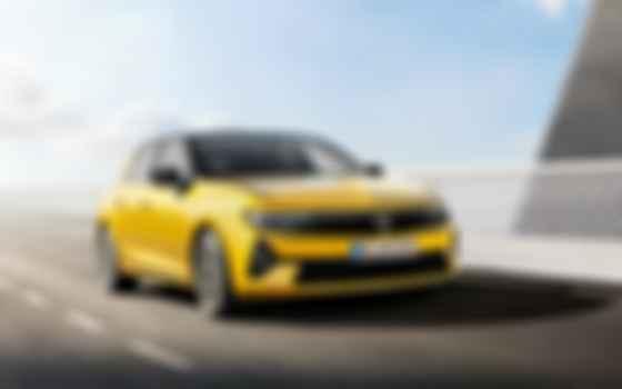 «Шестая» генерация Opel Astra построена на той же платформе, что Peugeot 308. Фото: Opel
