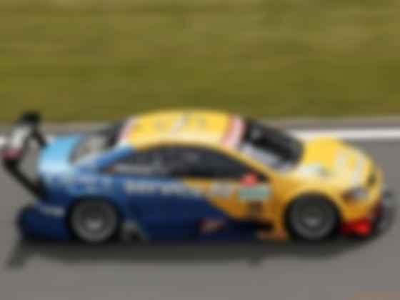 После ухода Opel из серии DTM гоночные «астры» выкупила Toyota и перелицевала их в Lexus IF. Фото: Opel
