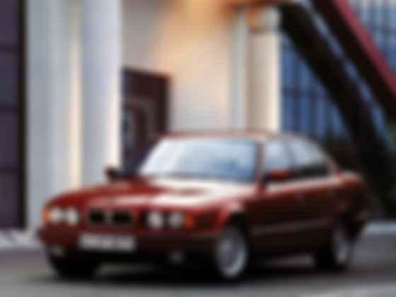 Спорт-седан бізнес-класу BMW 540i. Фото: BMW
