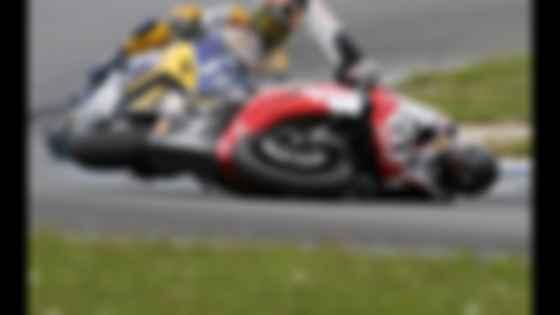 Михаэлю Шумахеру было не привыкать к падениям. Фото: Motor1