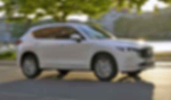 Новий комунікаційний колір Mazda CX-5 — «цирконієвий пісок». Фото: Mazda