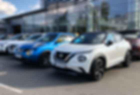 Nissan Juke першої і другої генерації. Знайдіть 10 відмінностей. Фото: Сергій Суховський