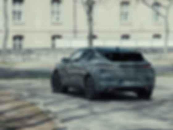 У DS 4 самые крупные колеса в сегменте – с посадочным диаметром 19 и 20 дюймов. Фото: DS Automobiles