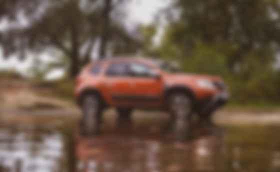 У Renault Duster оптимальная геометрическая проходимость. Углы съезда и въезда — 33° и 31° соответственно. Фото: Сергей Суховский