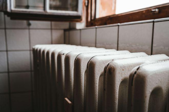 Опалення не включать, поки середня температура повітря понад 8°. Фото: Julian Hochgesang / Unsplash