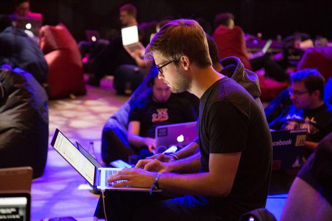 Найкращі курси для програмістів. Фото: Unsplash.